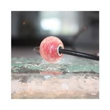 Perle de verre rouge